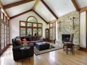 Потолки и стены из экологичных материалов в загородных домах